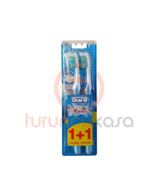 Oral B 3D White Medium Diş Fırçası 1 Alana 1 Bedava